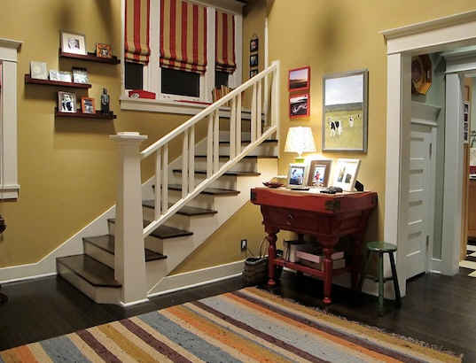 Parenthood-set-Adams-staircase