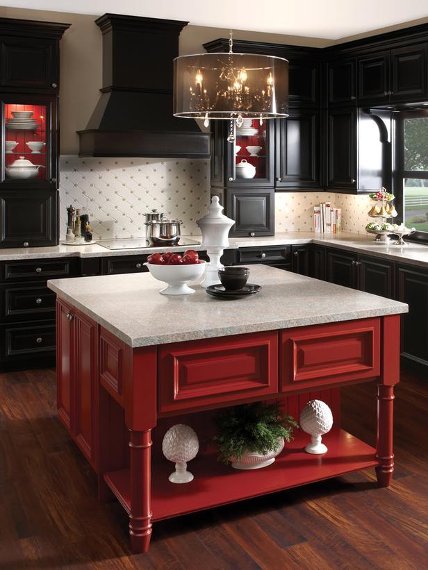 CI-Kraftmaid_Maple-Kitchen-in-Onyx_s3x4_lg