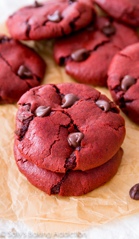 Red-Velvet-Chocolate-Chip-Cookie-Recipe-2